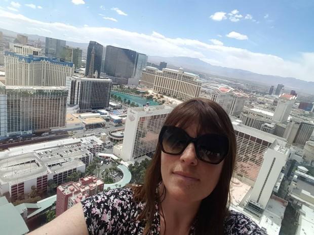 4-7-16 las vegas top money saving tips selfie at top of high roller