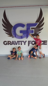 23-8-16 Gravity Force Trampoline the boys