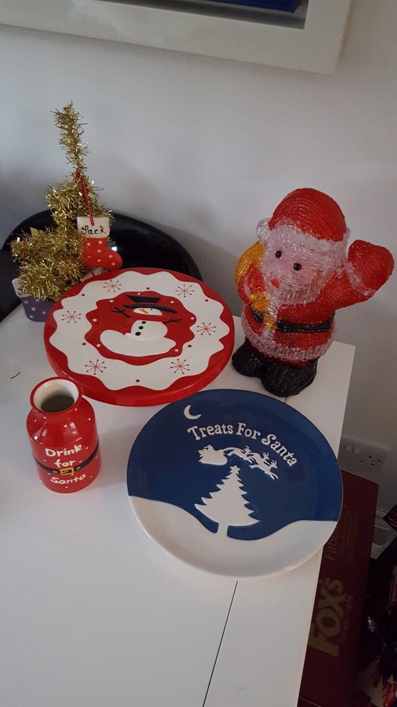 15-12-16-aldi-christmas-ideas-santa