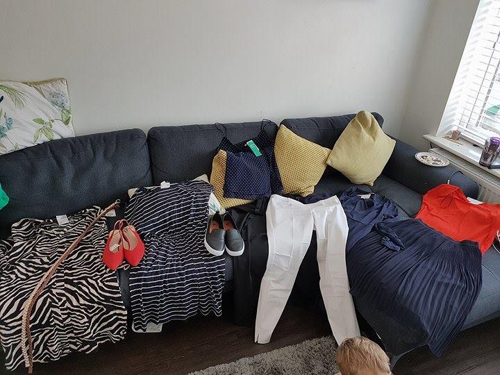 wardrobe de-clutter